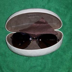 Sunglasses with case aviator